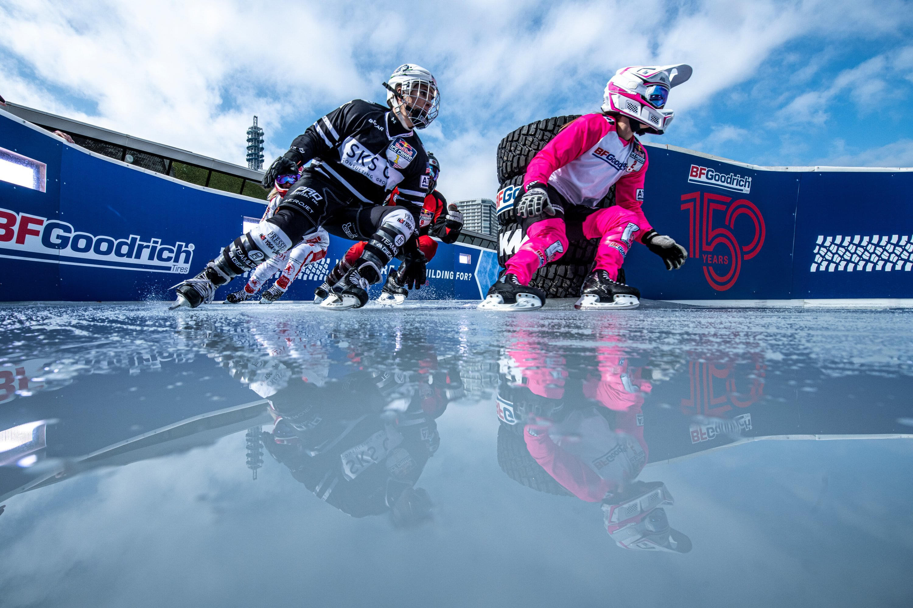Legere and Trunzo are mirrored on the track as they tackle the BF Goodrich Toughness & Traction corner. Image: Mihai Stetcu / Red Bull Content Pool